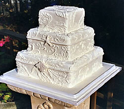 square wedding cake.